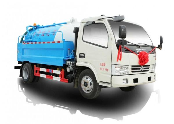 小多利卡清洗吸污车(4.6立方)